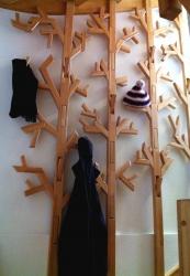image vestiaire-arbre-bois-3-jpg